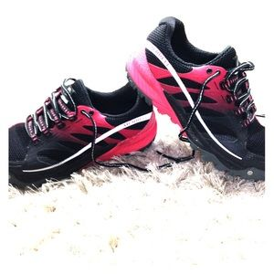 """MERRELL """"All Out Charge"""" Running Trail Shoe Size 7"""